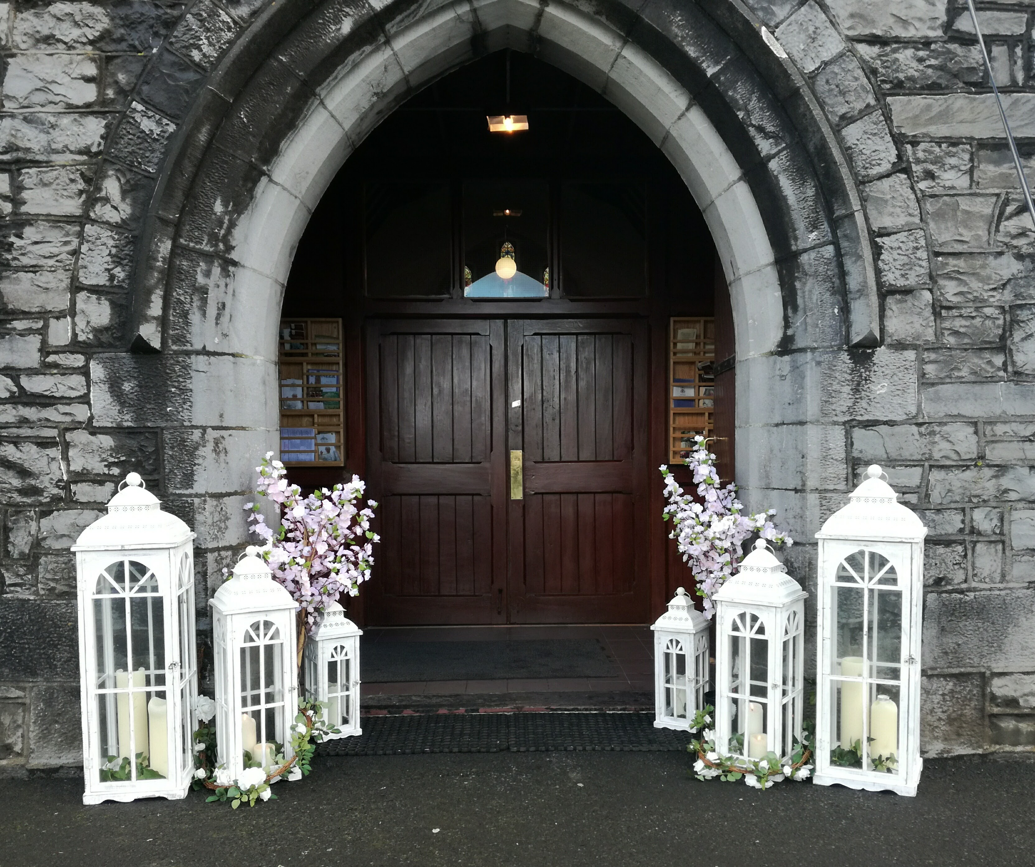 Arches entrance decor vip weddings giant white entrance lanterns with blossoms junglespirit Gallery