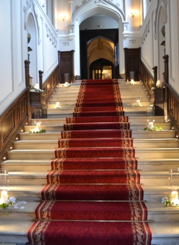 Entrance Aisle Decor