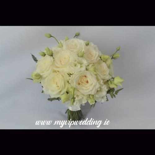 bouquet-white-ivory-green