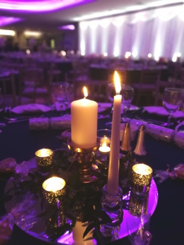 Gold candlelight tablecentre