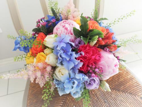 bride-bouquet-colourful-multicolour-bright
