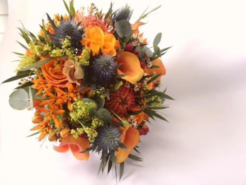 Bride-bouquet-orange-navy-rustic-texture