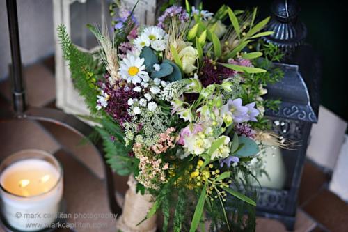bride-bouquet-wildflower-rustic